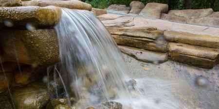 峡谷瀑布风景区